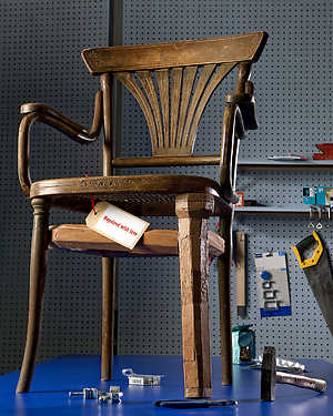 Thonet chair repaired by Harco Rutgers, photography by Leo Veger